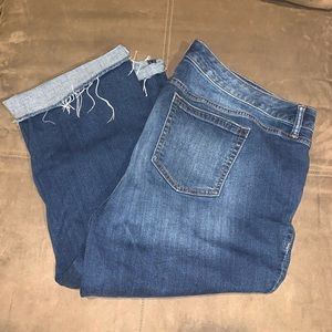 Women's Torrid  Distressed Capris Jeans Size 22